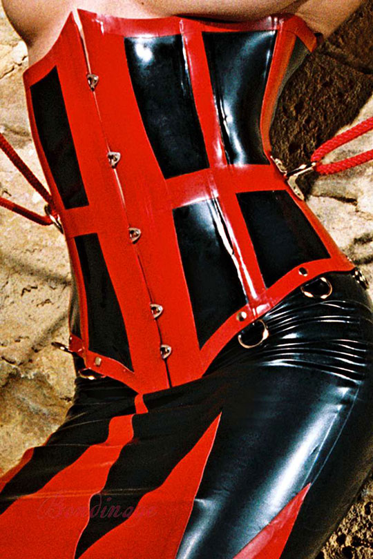 http://www.bondinage.com/latex-fetish-clothing/images/product_images/info_images/804_1.jpg